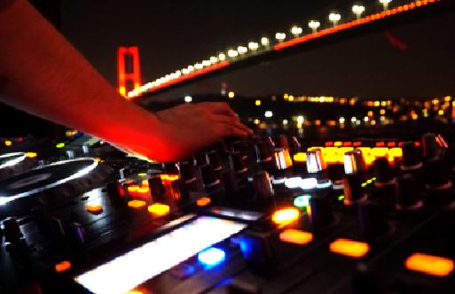 İstanbul Avrupa Yakası'nda Gece Hayatı